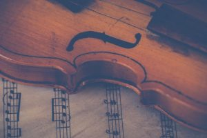 A fragile violin requires you to know the tips for preparing and packing instruments