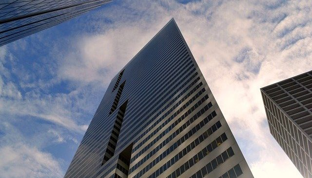 Tips for negotiating a commercial lease in Financial District