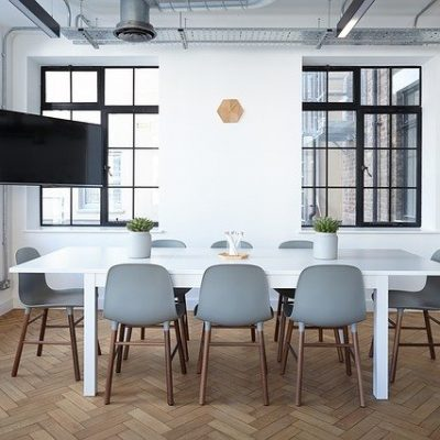 Office Table - Best ways to find reliable office movers
